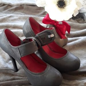 Gray Platform heels